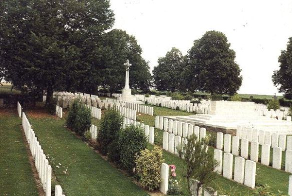 ACHIET-LE-GRAND COMMUNAL CEMETERY EXTENSION