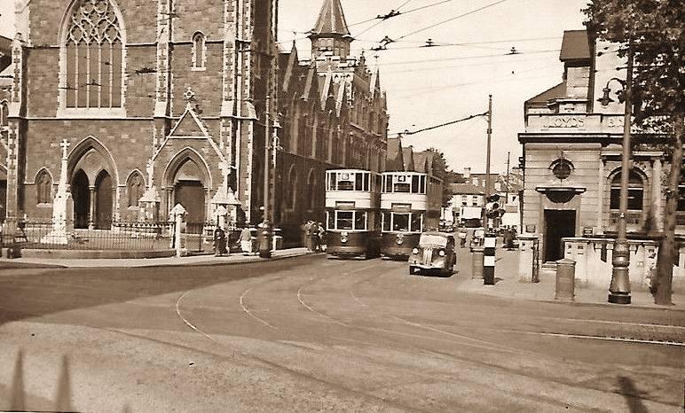 Roath Road Wesleyan church and war memorial