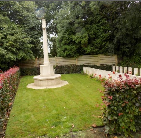 RONSSOY COMMUNAL CEMETERY