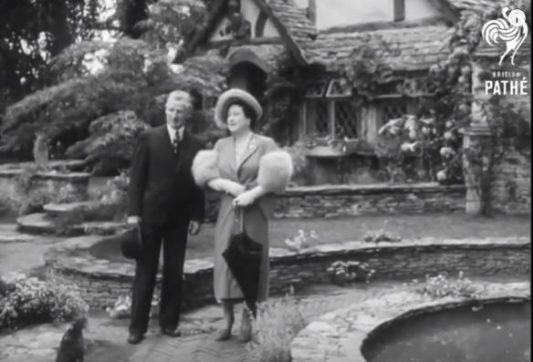 Ralph Hancock and the Queen at Chelsea 1949