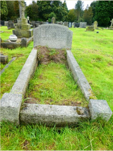 Grave of Elizabeth and Lilian Wing