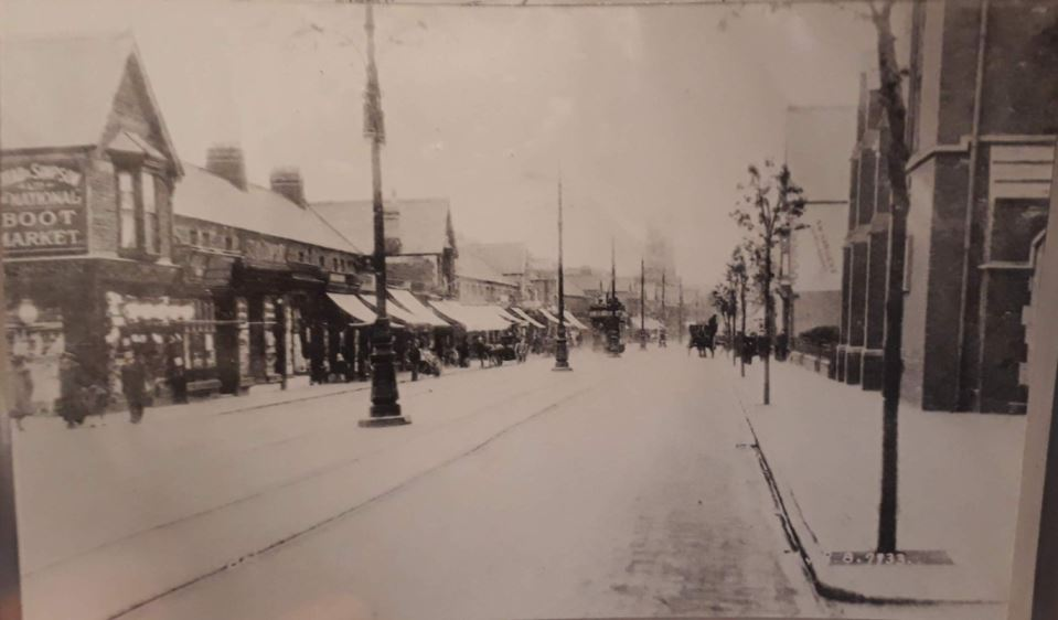 Albany Road, Roath, Cardiff in early 1900s