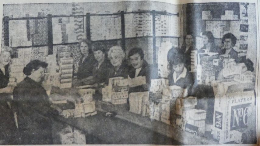 The packing room staff at Hopson & Son Albany Road, Cardiff