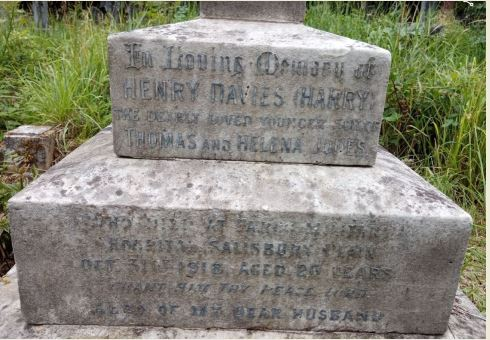 Henry Davies Jones headstone