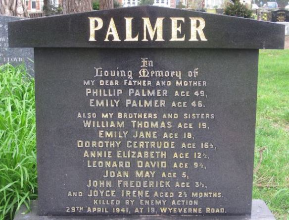 Palmer family, Wyeverne Road, Cathays, headstone, blitz victims